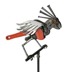 Tools second life. Maybe I will start a collection. I have magpies made of caulking guns. Found on uncommon goods.