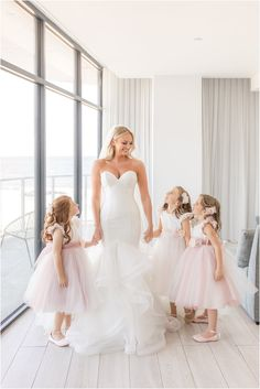 bride prepares with flower girls on wedding day   Portraits with flower girls: a special idea for your wedding morning shared by NJ wedding photographer Idalia Photography #IdaliaPhotography #NJWeddingPhotographer #FlowerGirls #WeddingMorning #WeddingPhotosIdeas Flower Girl Photos, Flower Girl Dresses, Flower Girls, Wedding Gallery, Wedding Photos, Wedding Morning, Wedding Day, Bridal Tips, Bridesmaid Robes