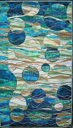 Circle quilt in blues - reminds me of bubbles swirling in an abstract ocean, I this so hard! Patchwork Quilting, Scrappy Quilts, Circle Quilts, Quilt Modernen, Art Textile, Landscape Quilts, Wow Art, Art Journal Pages, Art Plastique