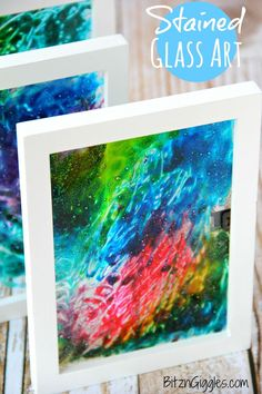 Glass Art Stained Glass Art - A super simple project that uses glue and food coloring to produce breathtaking results!Stained Glass Art - A super simple project that uses glue and food coloring to produce breathtaking results! Crafts To Do, Arts And Crafts, Easy Crafts, Bible Crafts, L'art Du Vitrail, Diy Spring, Spring Summer, Summer Kids, Diy Y Manualidades