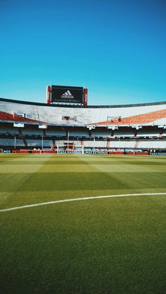 Football Pitch, Football Is Life, Football Stadiums, Psg, Neymar, Messi, Engagement Ring Photography, Football Wallpaper, Carp