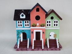 Popular items for hand paint birdhouse on Etsy Decorative Bird Houses, Bird Houses Painted, Bird Houses Diy, Fairy Garden Houses, Birdhouse Craft, Birdhouse Designs, Birdhouse Ideas, Birdhouses, Window Box Flowers