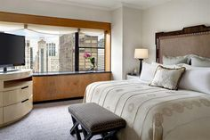 The pinnacle of luxury hotels in New York City, The Towers provides the personalized service of a boutique hotel complemented by opulent amenities Manhattan Hotels, Nyc Hotels, New York Hotels, Luxury Hotels, Hotel Deals, Linen Bedroom, Palace Hotel, Luxury Accommodation, Cool Bars