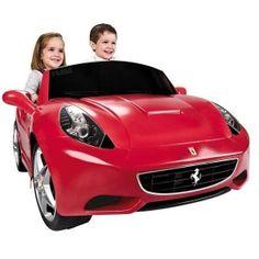 #Feber #Ferrrari California 12 V #Accuvoertuig. Dit zeer mooie Ferrari accuvoertuig wordt aangedreven door een 12 volt motor. Een officieel licentie product, levernsecht uitgevoerd met onder andere 2 zitplaatsen. Deze #sportwagen is voorzien van een echt gaspedaal en een rempedaal. De #auto kan zowel vooruit als achteruit. #speelgoed