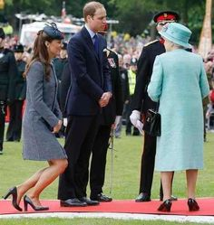 Did you know that Kate Middleton, before she became Catherine, Duchess of Cambridge, took etiquette classes on how to behave and act like royalty?  On the eve to her first official visit to New York City and Washington D.C., Yahoo Style spoke with Myka Meier, Etiquette Expert and Founder of Beaumont