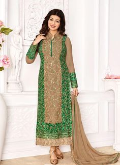 Buy online Ayesha Takia green and beige indian bollywood salwar kameez. This beautiful Ayesha Takia style indian bollywood salwar kameez is prettified with embroidered and lace. Shop online bollywood replica attire now! Designer Suits Online, Designer Punjabi Suits, Bollywood Dress, Bollywood Fashion, Bollywood Style, Indian Bollywood, Buy Salwar Kameez Online, Outfit Online, Eid Outfits