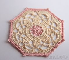 These are gorgeous!! Crochet Coasters - a perfect DIY gift  - free pattern (in Spanish and English) over at the lovely blog anabelia handmade