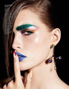 Vogue España November 2016   Bocas Vibrantes Model: Grace Elizabeth Photographer: Miguel Reveriego Stylist: Belen Antolin Make-Up: Maud Laceppe Hair: Rolando Beauchamp Nails: Casey Herman