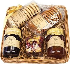 Blueberry Home Recipe Hamper @ 15 - Hampers - Ideas of Hampers Eid Hampers, Sweet Hampers, Best Gift Baskets, Food Gift Baskets, Boxed Lunch Catering, Diy Christmas Hampers, Honey Store, Waitrose Food, Presents For Friends