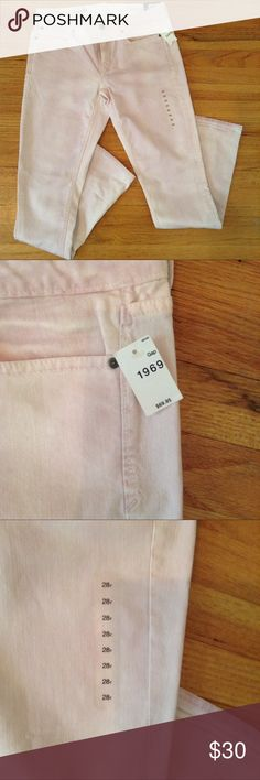 Gap Skinny Jeans Brand new with tags Gap skinny jeans these are a pinkish white color and cool enough to wear during the summer they can be cuffed for a different look. GAP Jeans Skinny