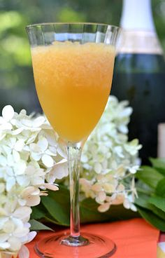 Peach Bellini  Easy, fresh summertime drink