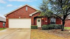 Open House on Saturday from 2-4pm and on Sunday from 1-3pm - Contact The Jessica Hargis Group at 469 351 9516 for more info today!
