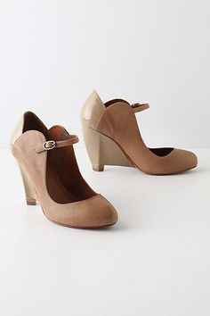 lovely niina mary janes (from anthropologie, first spotted on creature comforts)