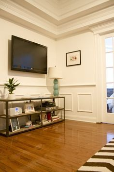 Matt's & Annie's Itty Bitty Boston Back Bay Apartment — House Call | Apartment Therapy