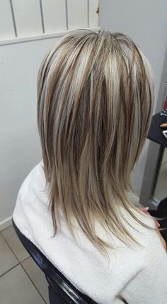 Medium Hair Styles, Short Hair Styles, Brown Blonde Hair, Hair Color And Cut, Hair Color Highlights, Hair 2018, Layered Hair, Great Hair, Hair Dos