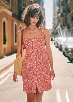 summertime in europe Girly Outfits, Summer Outfits, Cute Outfits, Fashion Outfits, Summer Dresses, Dress Skirt, Dress Up, Jade Dress, Lilly Pulitzer