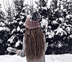 Winter uploaded by 𝓈𝒶𝓂𝒶𝓃𝓉𝒽𝒶 𝓈𝑒𝓇𝑒𝓃𝒶 ✰ on We Heart It Cosy Winter, I Love Winter, Insta Tumblr, Snow Pictures, Disney Instagram, Cute Girl Photo, Winter Pictures, Christmas Aesthetic, Winter Photography
