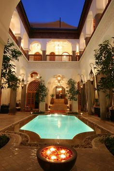 Riad Palais Calipau is a riad located in the heart of the medina in the Casbah district. Interior Garden, Luxury Decor, Find Hotels, Marrakesh, Sweet Home, Places To Visit, Around The Worlds, Mansions, Architecture