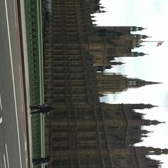 House of parliament. Se fuma?