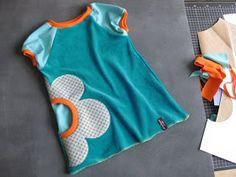 Hamburger Liebe: Ein Farb-Dilemma aus Nicki - love the pockets Sewing Kids Clothes, Sewing For Kids, Diy Clothes, Love Sewing, Baby Sewing, Kids Patterns, Sewing Patterns, Sewing Pockets, Little Girl Dresses