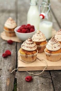 ... tiramisu raspberries cupcakes ...