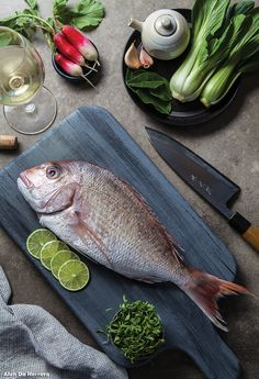 Raw Food Recipes, Fish Recipes, Fresh Seafood, Fish And Seafood, Los Angeles Food, Food Wallpaper, Food Photography Tips, Seafood Restaurant, Fresh Meat
