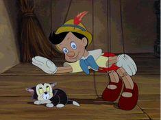gif The post Pinocchio Petting Figaro.gif appeared first on Paris Disneyland Pictures. Disney Pixar, Disney Amor, Walt Disney Animation, Old Disney, Arte Disney, Disney Films, Disney Magic, Pixar Movies, Funny Cartoon Gifs