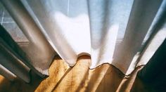 The cheap maintenance cost of different window coverings and treatments - TIME BUSINESS NEWS Blinds For Windows, Window Curtains, Window Coverings, Window Treatments, Garage Storage Solutions, Blinds Design, Healing Words, Different, Old Things