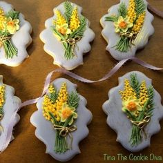 Yellow spring flowers, cookie artist Tina, The Cookie Diva