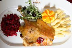 Mamy tutaj fanów kaczki z modrą kapustą? ;) Połączenie przepyszne! To danie i wiele więcej znajdziecie w naszej karcie na: http://www.hotelklimek.pl/ #food #foodlover #dish #meal #obiad #duck #kaczka #hotelklimek #restauracja