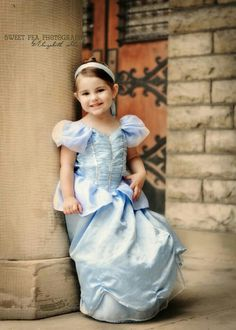 3 year old girl photo idea. Princess Photo Shoots, Princess Shot, Princess Sophia, Girl Photo Shoots, Princess Pictures, Princess Pics, Disney Princess, Cinderella Birthday, Photoshoot Themes