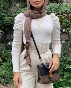 Modest Fashion Hijab, Modern Hijab Fashion, Modesty Fashion, Hijab Fashion Inspiration, Fashion Mode, Muslim Fashion, Mode Inspiration, Street Hijab Fashion, 80s Fashion