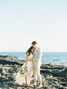 Photography: Luna de Mare Photography - http://www.stylemepretty.com/portfolio/luna-de-mare   Read More on SMP: http://www.stylemepretty.com/2016/05/02/an-oceanside-wedding-planned-in-4-months-flat/
