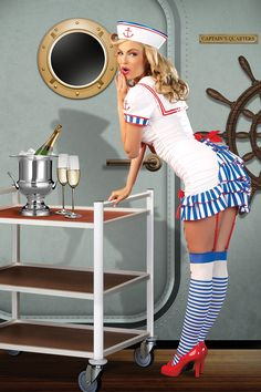 Sailor Pin-Up
