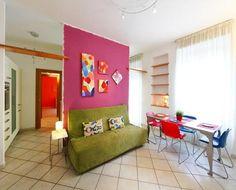 Nuevo y renovado apartamento a 10 min de la #Roma Antigua. ¡Vive unas vacaciones coloridas en Roma!