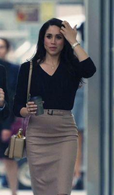 Rachel Zane's outfit in Season 3 Suits, office fashion