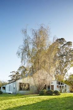 Houzz:  7 Supermodel Homes and Why Creatives Rent Them