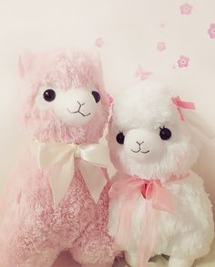 single dad alpaca otou-san and his new daughter uwub Kawaii Plush, Cute Plush, Alpacas, Cute Stuffed Animals, Cute Animals, Lolita Anime, Kawaii Shop, Cute Toys, Disney Toys