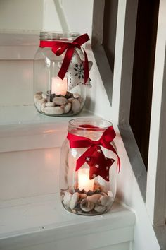 Candels in jars Red Mason Jars, Mason Jar Candles, Candels, Painted Mason Jars, Mason Jar Crafts, Christmas Hallway, Christmas Love, Christmas Crafts, Christmas Centerpieces