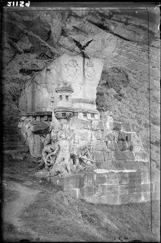 Monumento a los ingleses muertos por la libertad de España. Archivo Loty: Fot. Antonio Passaporte. San Sebastian (1927-1936 aprox.). Fototeca Del Patrimonio Histórico.