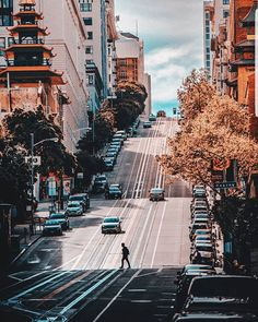 California St, San Francisco by jcarlosimages San Francisco Sites, San Francisco Travel, San Francisco California, Beverly Hills, Golden Gate, Places To See, Polaroid, Cool Photos, Barcelona