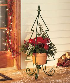would be cute on front porch in corner with poinsettia