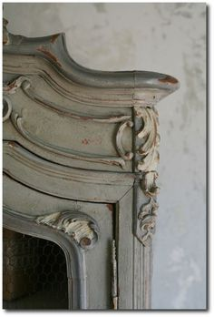 Annie Sloan Chalk Paint - Coco - Distressed