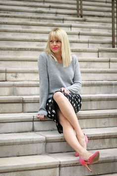 Star Sequin Pencil skirt with sweater via blog 101 Things I Love | #sequins #pencilskirt #fallstyle #tandjdesigns