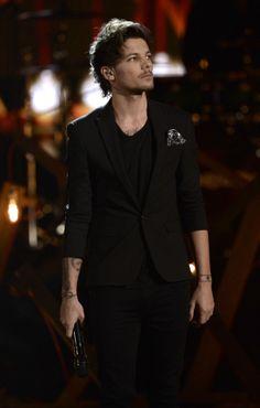 Louis Tomlinson Photos: The American Music Awards Show
