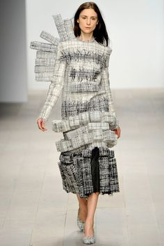 Central Saint Martins — Hellen van Rees | Fall 2012 Ready-to-Wear Collection | Vogue Runway