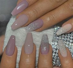 There are three kinds of fake nails which all come from the family of plastics. Acrylic nails are a liquid and powder mix. They are mixed in front of you and then they are brushed onto your nails and shaped. These nails are air dried. Cute Acrylic Nails, Acrylic Nail Designs, Cute Nails, Pretty Nails, Nail Art Designs, Casket Nails, Manicure E Pedicure, Nagel Gel, Gorgeous Nails