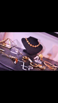 Las joyas en grupo hacen sentido... #UnaVerdaderaJoya. #Silencio   #MauricioSerrano #Mexico #2014 #Joyas #Plata #Diseñador #Jewelry #Silver #Gifts #Xmas #Happiness #Love #Art