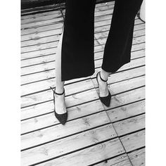 It's a black and white moment, showing off the black slit pants! The details that make difference!  #viktoriachan #ss16 #powerdressing#scandinaviandesign