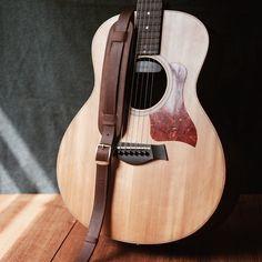 Dark Brown Vintage Guitar Strap handcraft by Qilinlibrary
